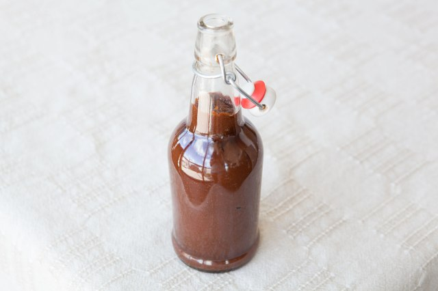 How-To: Sweet and Spicy Paleo BBQ Sauce