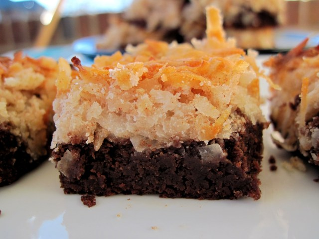 MAGIC BROWNIE BARS
