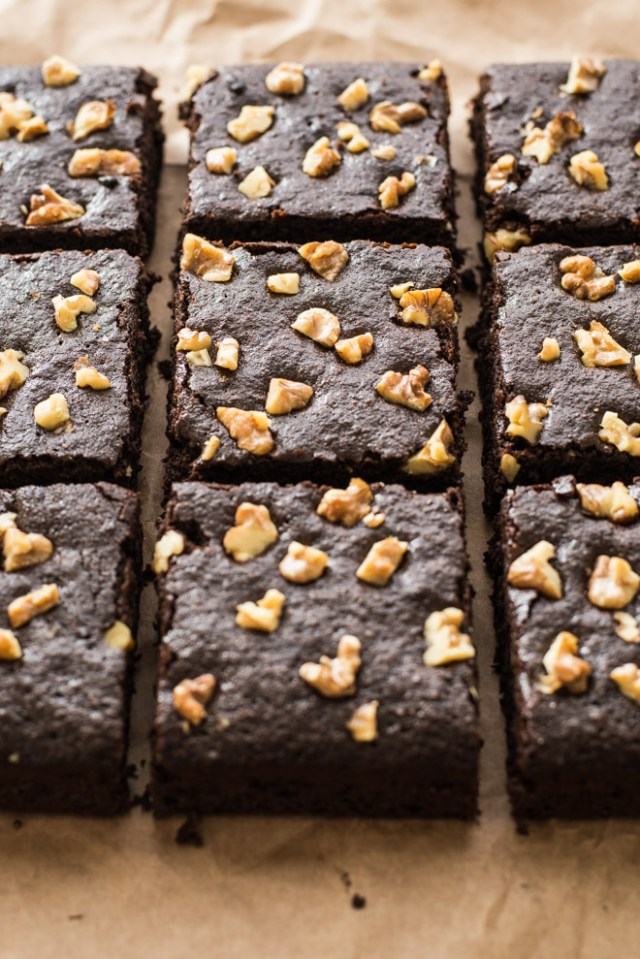 SPICED PALEO BROWNIES