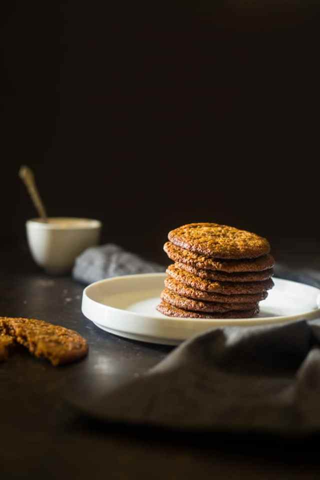 SPICED PALEO COOKIES WITH ALMOND BUTTER