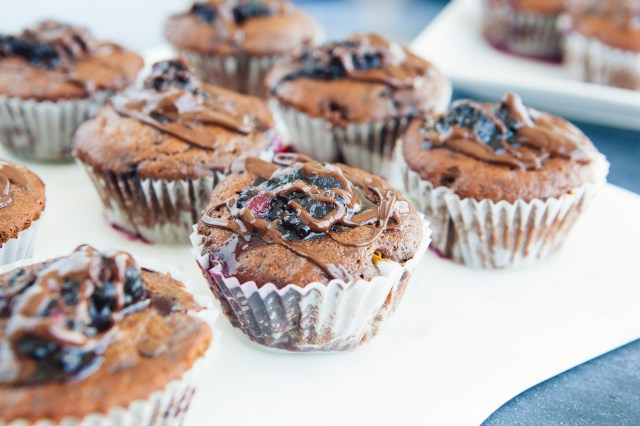 Dark Chocolate & Blackberry Paleo Cupcakes