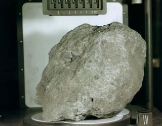 This Rock Found On The Moon Originated On Earth – Neatorama
