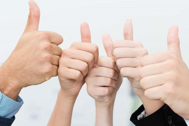5-amazon-seller-success-stories-thumbs-up