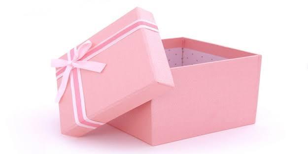 Pembe hediyelik karton çanta