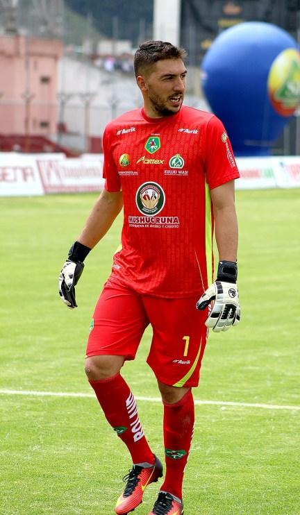 El 'Loco' Emiliano Olivero se ha convertido en la garantía bajo los tres palos del 'Ponchito'.