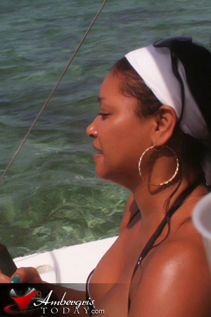 Actress Tamala Jones Vacations in San Pedro Belize  Ambergris Today  Breaking News Lates