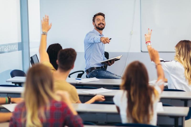 Os desafios dos professores e gestores na educação 4.0