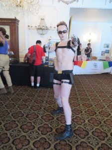 FLAME CON LARA CROFT COSPLAY