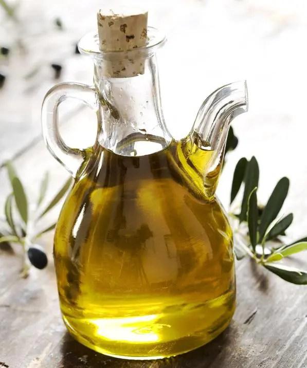 Frodi alimentari scoperta vendita di olio doliva con pesticidi