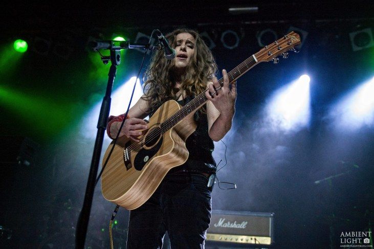 Diana Anaid performing live in Auckland, New Zealand 2017. Image by Doug Peters.