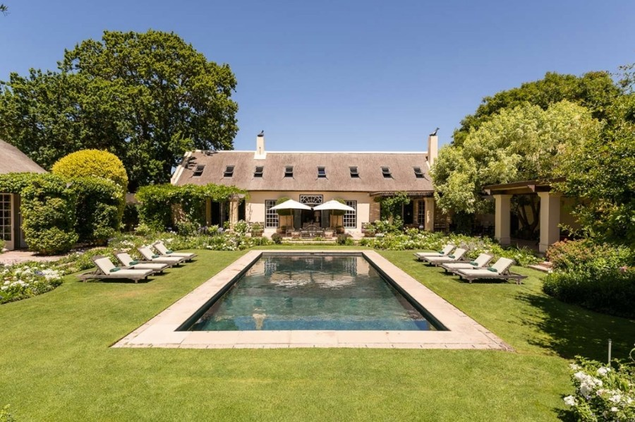 La Rive Franschhoek Pool with house