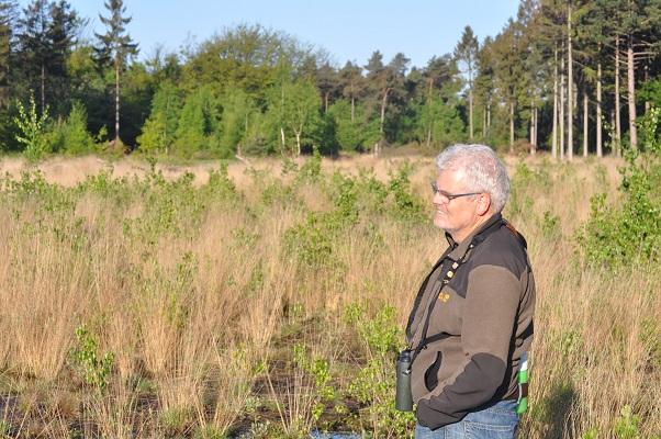 Jos van de Wijst tijdens wandeling op Maashorst in Uden