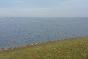 IJsselmeer op wandeling over Almerepad