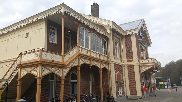 Wandelen over het Grebbeliniepad bij station Baarn