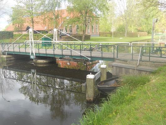 Wandelen over het Groot Frieslandpad in Annerveenschekanaal