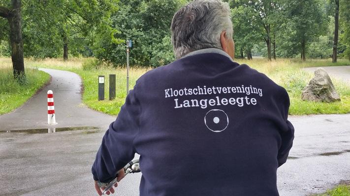 Wandelen over het Groot Frieslandpad bij Klootschietvereniging Langeleegte