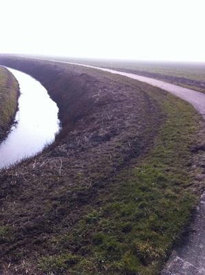 Wandelen over het Groot Frieslandpad op pad richting Stavoren