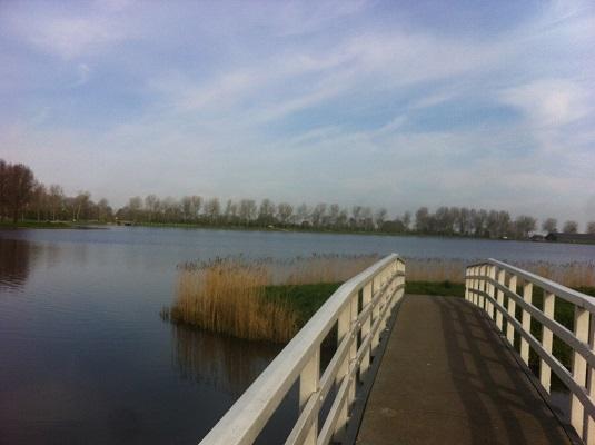 Wandelen over het Groot Frieslandpad bij Meer van Dirkshorn
