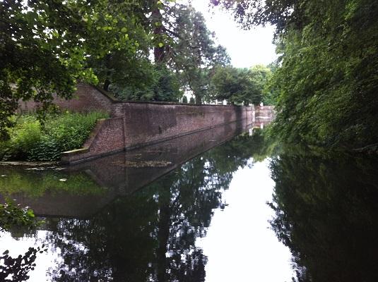 Oude IJssel in Zutphen tijdens een dagwandeling De Hoofdige Boer over het Hanzestedenpad