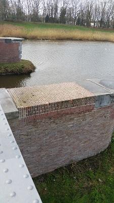 Oude spoorbrug Waalwijk Halve Zolenlijntje tijdens wandeling over het Maaspad van Heusden naar Waalwijk