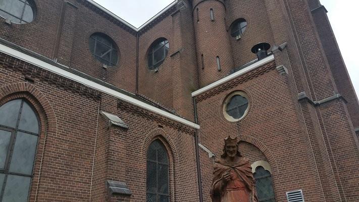 Wandelen over het Marikenpad bij kerk Hintham Den Bosch