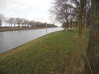 Twentekanaal tijdens wandeling op Marskramerpad van Borne naar Enter