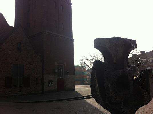 Wandelen over het Oudste Wandelpad van Nederland bij de kerk in Wageningen