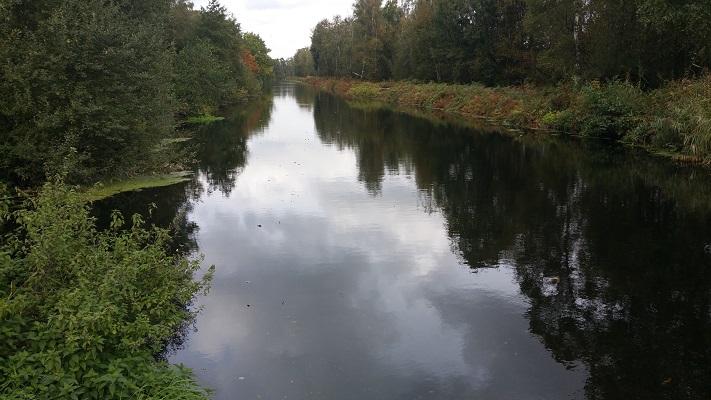 Wandelen over het Peelpad bij het Kanaal van Deurne