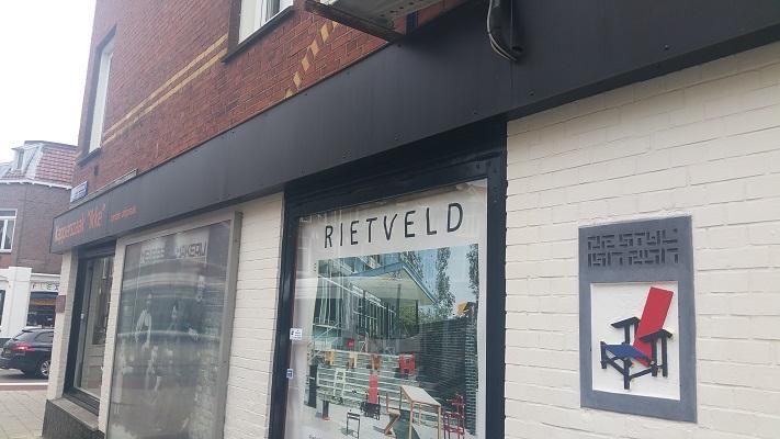 Meubelwerkplaats van Gerrit Rietveld tijdens Gerrit Rietveld wandelroute in Utrecht