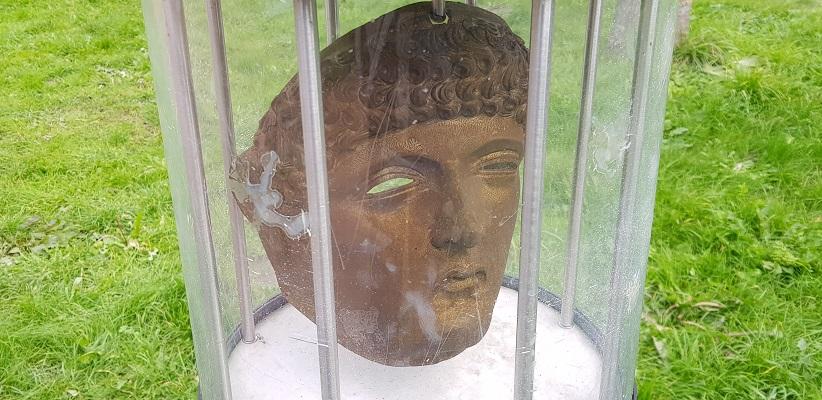 Wandelen over het Romeinse Limespad in Park Matilo in Leidene