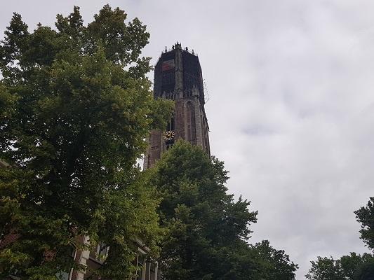Wandelen over het Romeinse Limespad bij de Dom in Utrecht