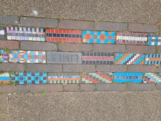Wandelen over het Romeinse Limespad bij Romeinse weg in Utrecht