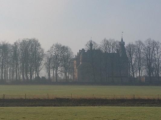 Kasteel Doorwerth op wandeling over Roots Natuurpad van Doorwerth naar Winssen