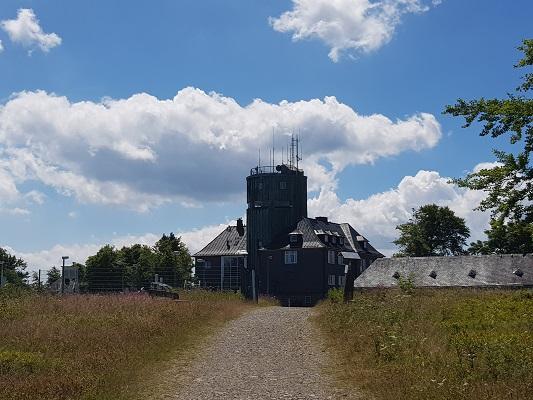 Kahler Asten op wandeling van Winterberg naar Kahler Asten tijdens wandelreis over Rothaarsteige in Sauerland in Duitsland