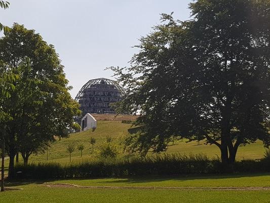 Blijk op VVV in Winterberg tijdens wandeling naar de Ruhrquelle op wandelreis naar Rothaarsteige in Sauerland in Duitsland