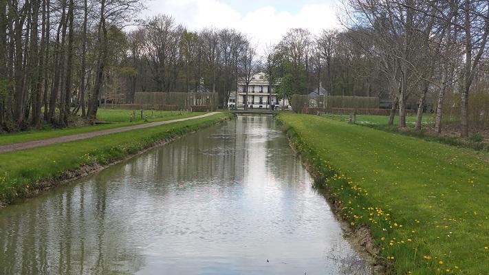 Wandelen over het Westerborkpad bij landgoed Oldenaller in Nijkerk