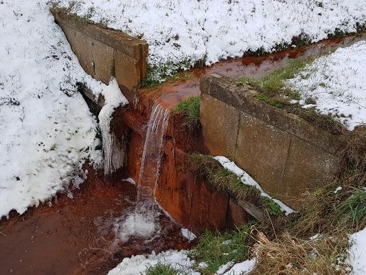Kwelwater sloot Peelrandbreuk tijdens IVN-wandeling Over Peelrandbreuk en wijstgronden in Uden