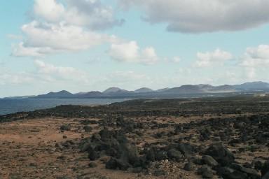 Kust bij Montana Blanca tijdens een wandelvakantie op Canarisch Eiland Lanzarote