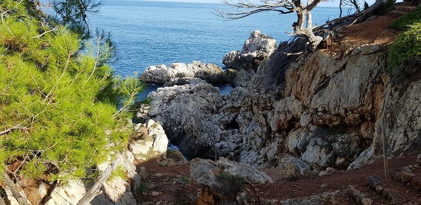 Noordkust op wandeling van Deia naar Port de Soller op wandelvakantie in Tramuntanagebergte op Spaans eiland Mallorca