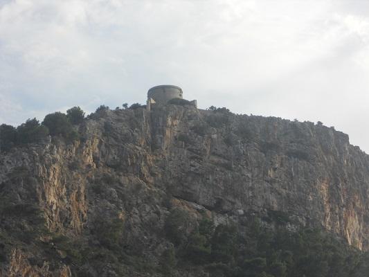 Uitzichtpunt op wandeling van Mirador de ses Barques naar Sa Calobra op wandelvakantie in Tramuntanagebergte op Spaans eiland Mallorca