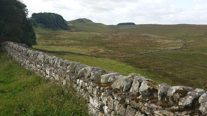 Muur van Hadrianus op een wandeling van Chollerford naar Once Brewed op wandelreis over Muur van Hadrianus in Engeland