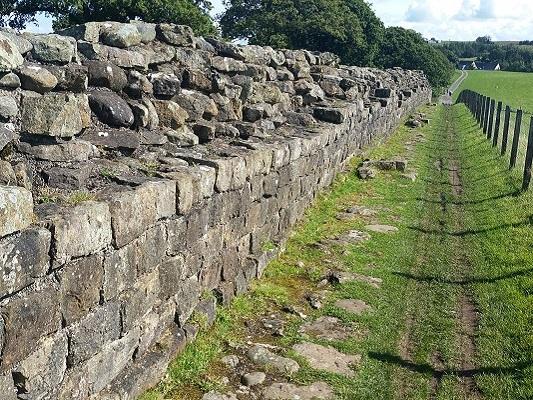 De Muur van Hadrianus op een wandeling van Once Brewed naar Lanercost op wandelreis over Muur van Hadrianus in Engeland