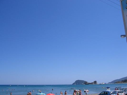 Strand Kalamaki tijdens wandelvakantie op Grieks eiland Zakynthos