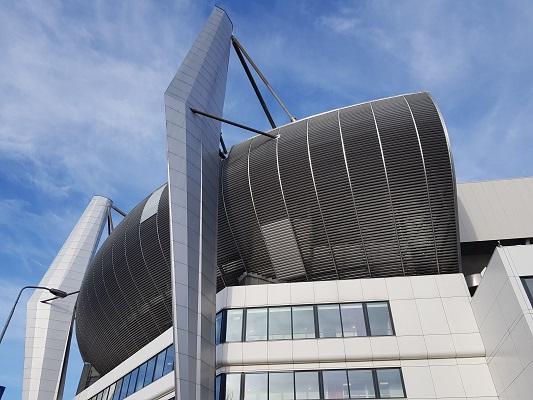 PSV-Stadion tijdens een wandeling over het Philipspad van Gegarandeerd Onregelmatig in Eindhoven