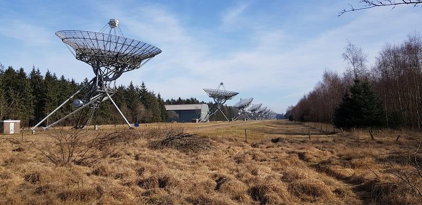 Sterrenwacht Westerbork op wandeling over het Roots Natuurpad van Papenvoort naar Hooghalen