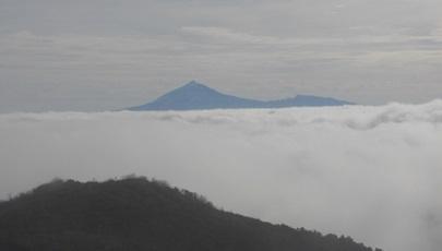 Zicht op La Teide vanaf Canarisch Eiland La Gomera