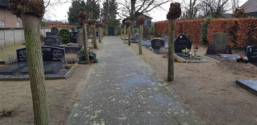 Wandelen over Ommetje Abdij van Berne in Heeswijk bij NH begraafplaats