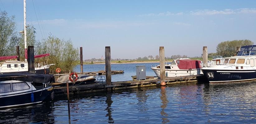 Wandeling over Klompenpad Hamarithapad bij Nederhemert bij Afgedamde Maas