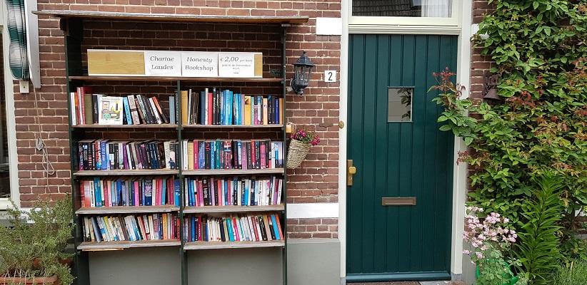 Wandeling over het Achterhoekpad van Westendorp naar boekenstadje Bredevoort bij boekenverkoop