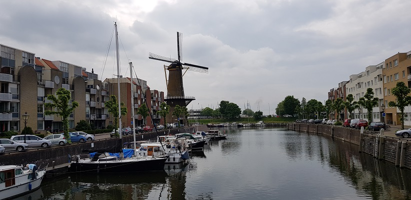 NS-wandeling Rotterdam Maasstad bij molen in Delfshaven